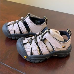 Keen Toddler tan/Kahaki Sandals - size 8